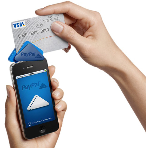 picture demonstrating PayPal Here card reader