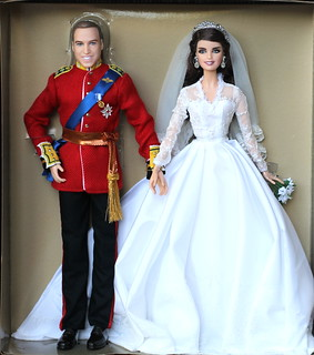 "William & Catherine ""Royal Wedding"" by Barbie-Collector 2012 