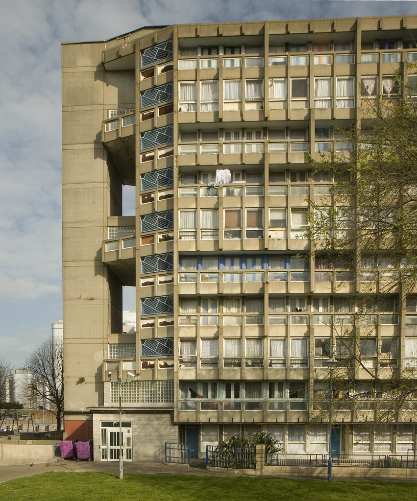 Robin Hood Gardens, Alison and Peter Smithson, 1967-72 | Flickr