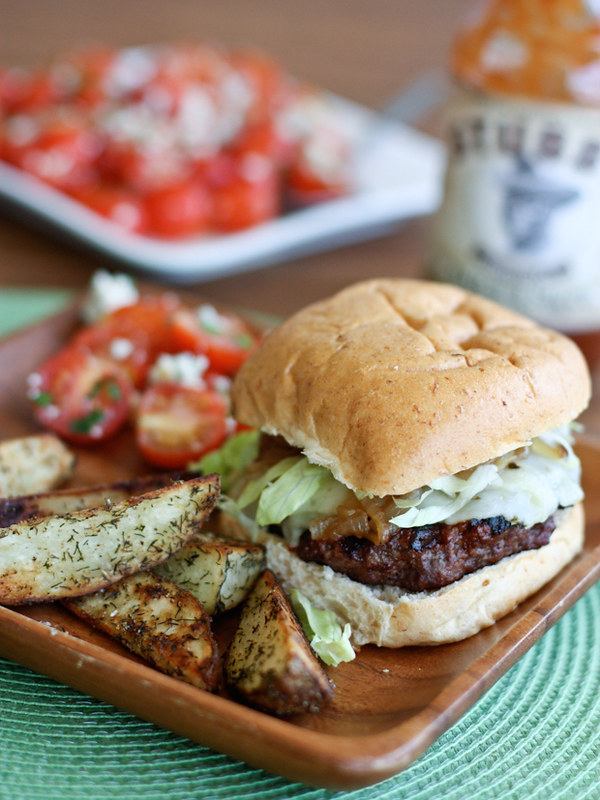 15 Healthy Burger Recipes, Meat and Meatless.  Everything from beef and turkey to salmon and black.  There is something for everyone! Grilled Barbecue Bison Burger