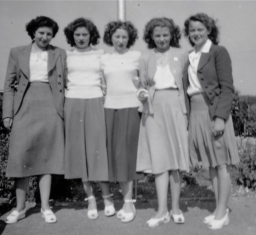 blurred girls works outing 40s from the set group of ladie flickr