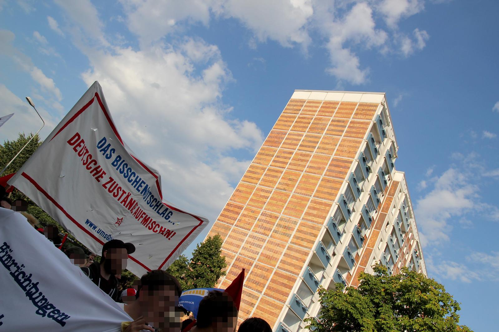 Antifaschistische Demo '20 Jahre nach dem Pogrom' am 25.08.2012 in Rostock-Lichtenhagen 26 | by agfreiburg