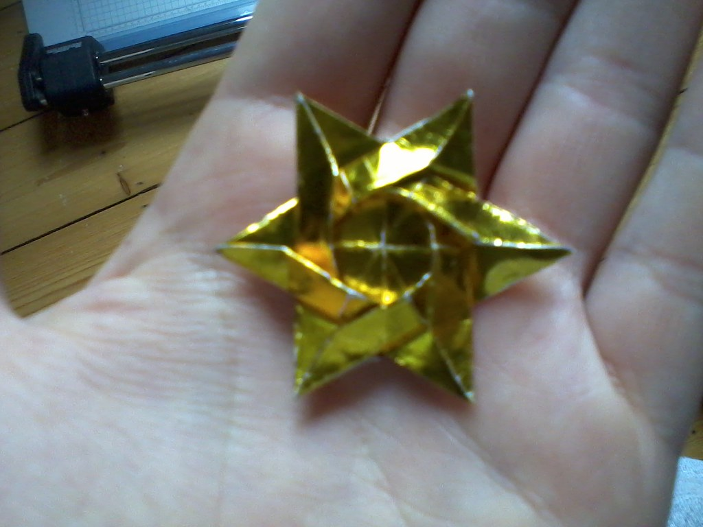 How to make EASY ORIGAMI STAR | ORIGAMI DAVID STAR - YouTube | 768x1024