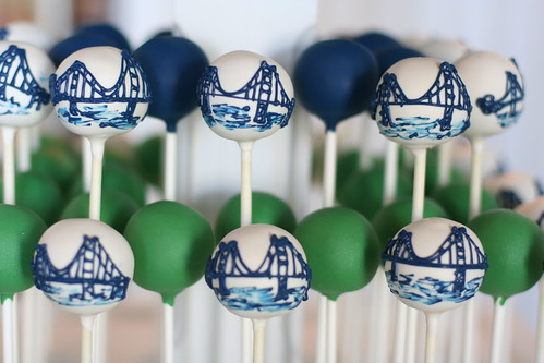 Navy Golden Gate Bridges with Kelly Green and Navy Dipped Pops | by Sweet Lauren Cakes