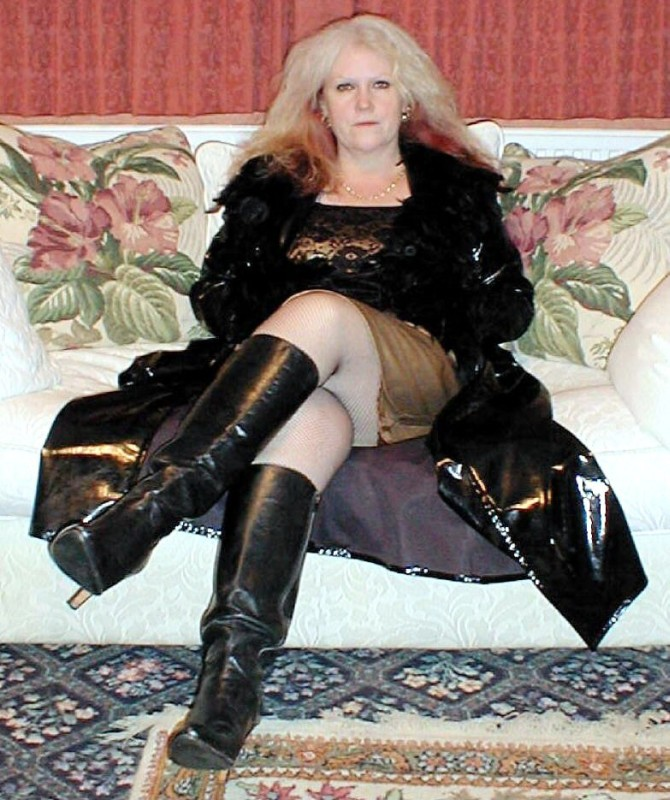 Matures in thigh boots