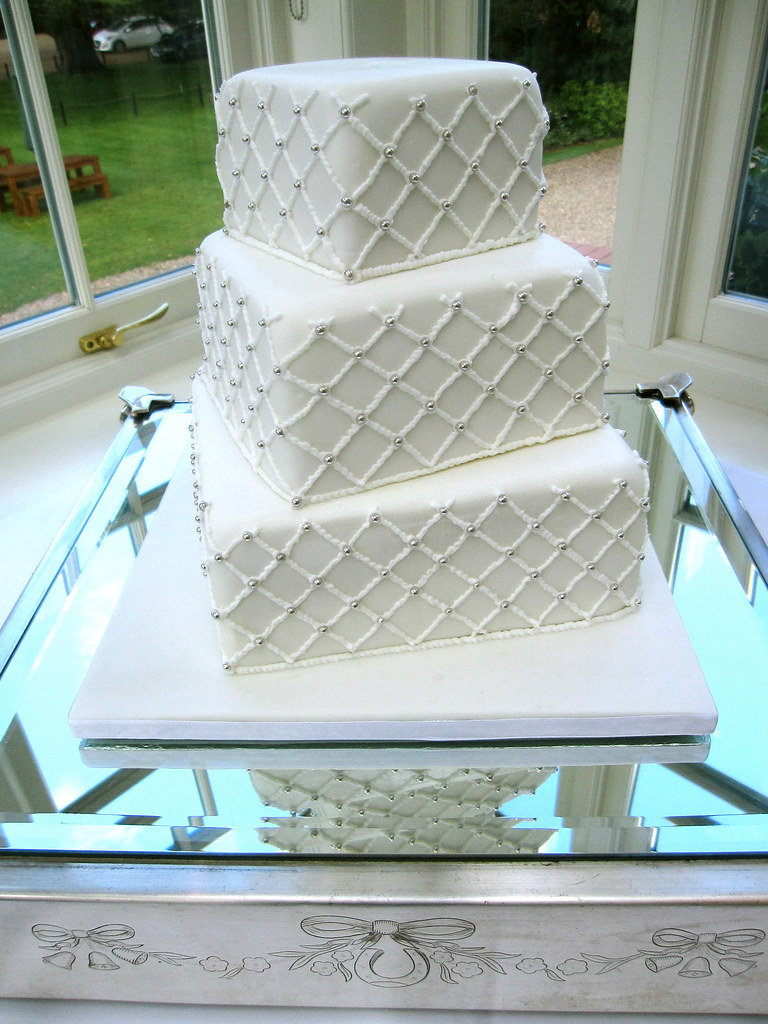 Diamond pattern wedding cake | I worked all night to finish … | Flickr