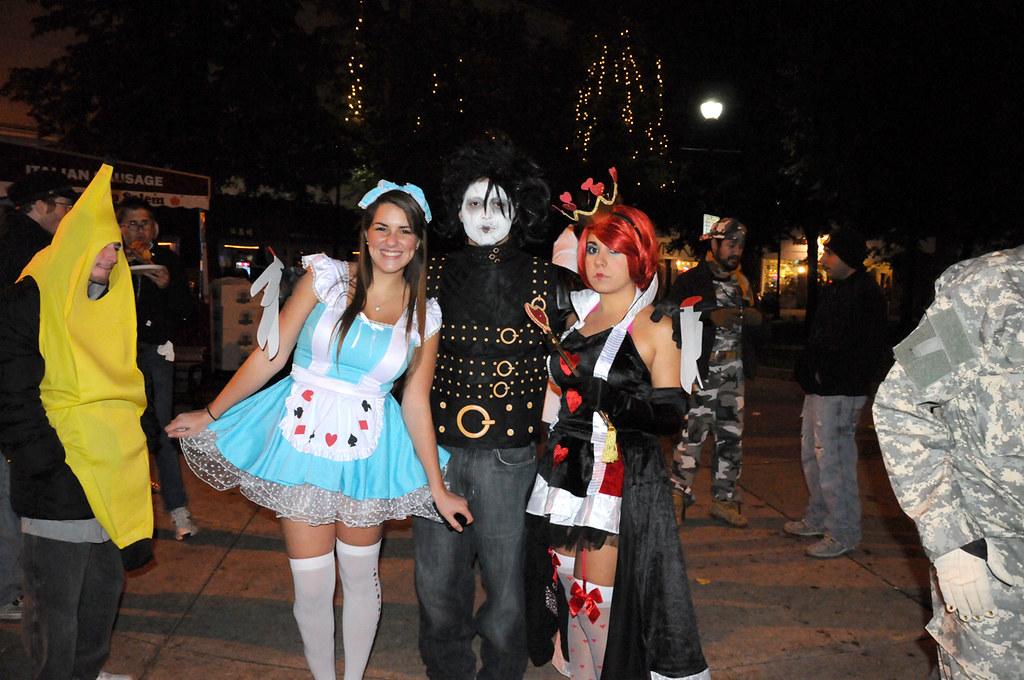 Salem MA - Halloween 2011 | Alice in Wonderland, Edward Scis… | Flickr