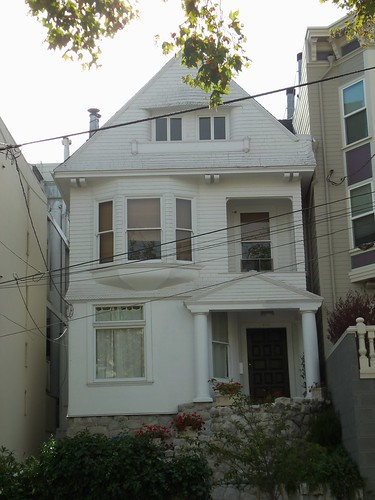 Queen Anne Style Colonial Revival Style Hybrid