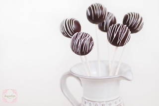 Red Velvet Cake Pops | by SugarlipsCake
