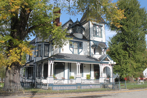 James cochran house the opulent victorian james cochran for Victorian manufactured homes