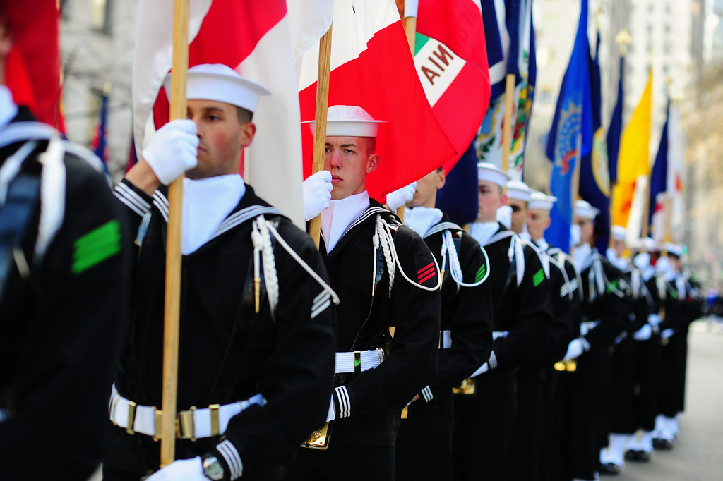 The Us Navy Ceremonial Guard Stands In Formation During Flickr - Us-navy-ceremonial-guard