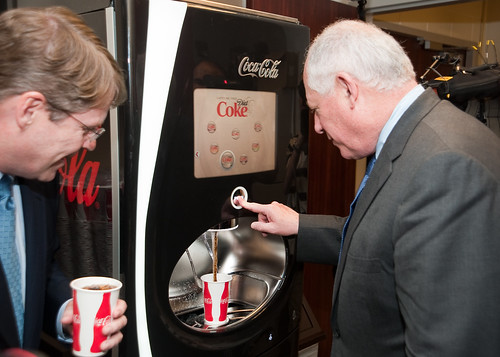 gov quinn visits coca