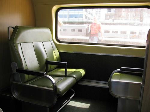 V Set seat, Sydney Station, Sydney, NSW. | by dunedoo