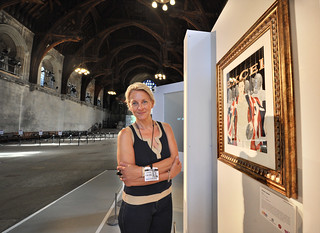 Illustrator Karen Jones with her portrait of Sabre Fencer Chrystall Nicoll | by UK Parliament