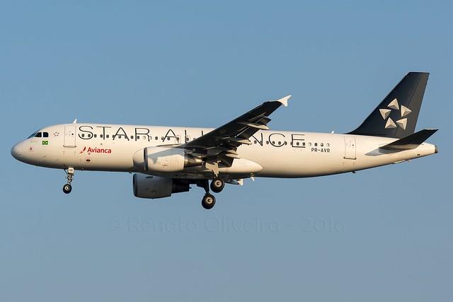 Avianca PR-AVR A320 @ GRU