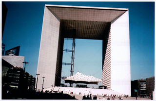 Grande Arche (Contax T2) | by unresttwothree