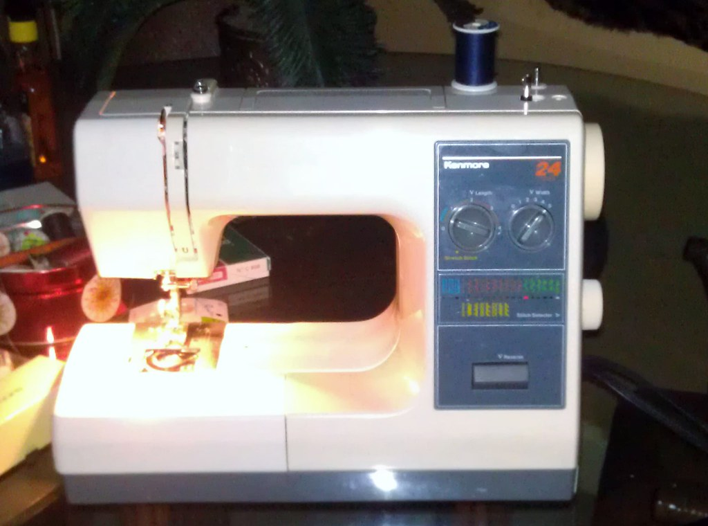 Kenmore 40 40stitch Sewing Machine Goodwill Find This M Flickr Mesmerizing Kenmore Sewing Machine 385 Manual