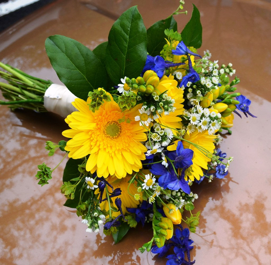 Yellow And Blue Wedding Flowers Perfectweddingflowers Flickr