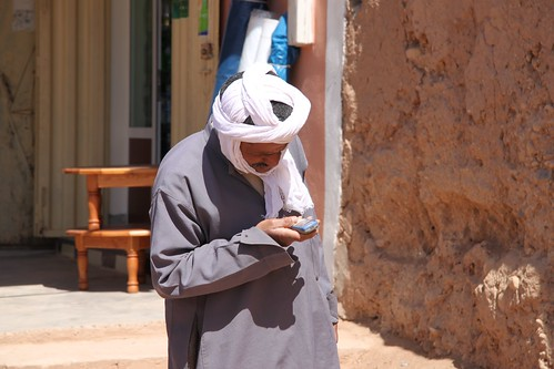 A mixing of cultures! An elderly gentleman and his mobile phone, nr the Algerian border, Morocco | by Richard Allaway