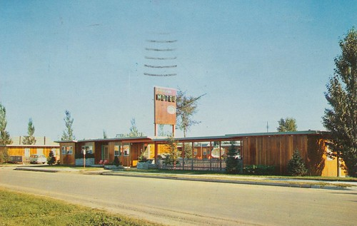 Sterling Motel - Austin, Minnesota | by The Cardboard America Archives