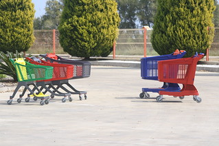 Carrelli da self service in plastica | by Polycart