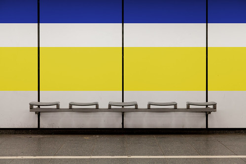 Seating Bench with Blue and Yellow Stripe | by yushimoto_02 [christian]