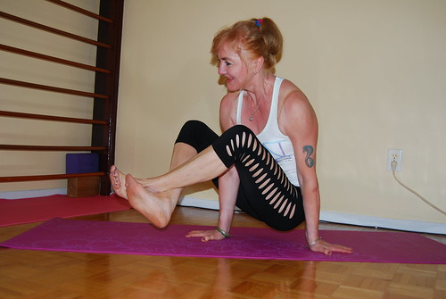 Crossed Ankles Arm Balance | by Shar Ka