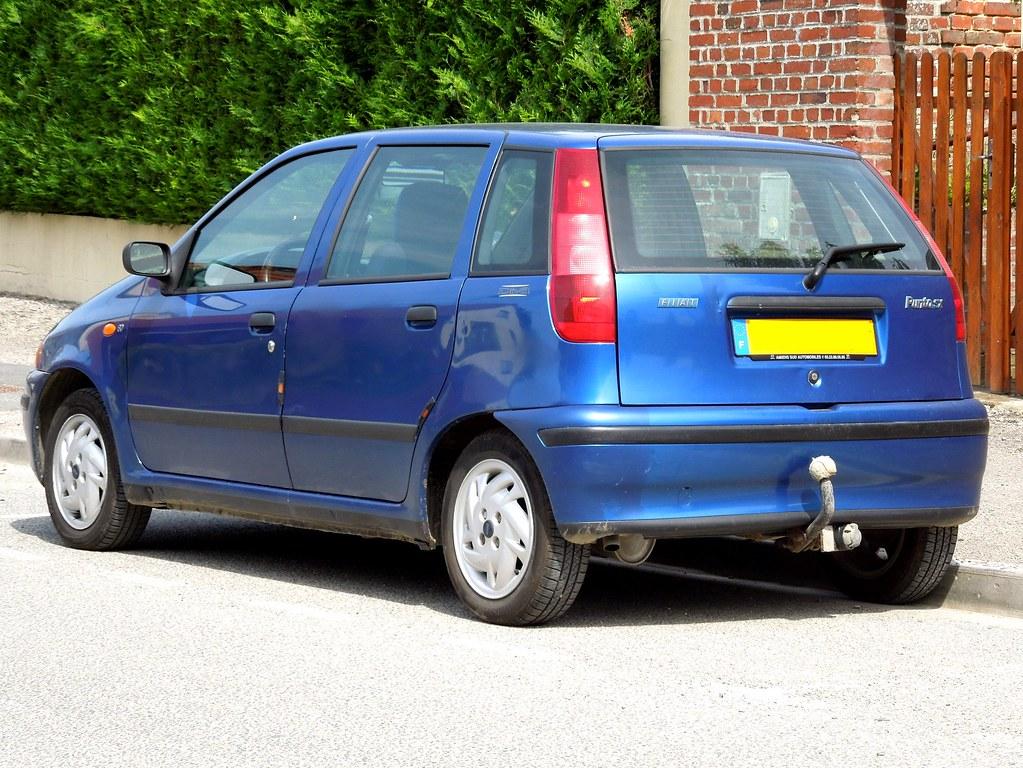 FIAT Punto SX Diva | Saint-Fuscien (F-80). | xavnco2 | Flickr on fiat bravo, fiat 500l, fiat doblò, fiat uno sx, fiat bravo sx, fiat coupe 20v turbo, fiat tipo, fiat scudo sx, ford ka, fiat uno, opel corsa, fiat palio, nissan micra, fiat panda, renault clio, volkswagen polo,