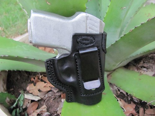 Rohrbaugh R9 IWB Black Horse Hide with Reinforcement  Clip Side | by Bear Creek Holsters
