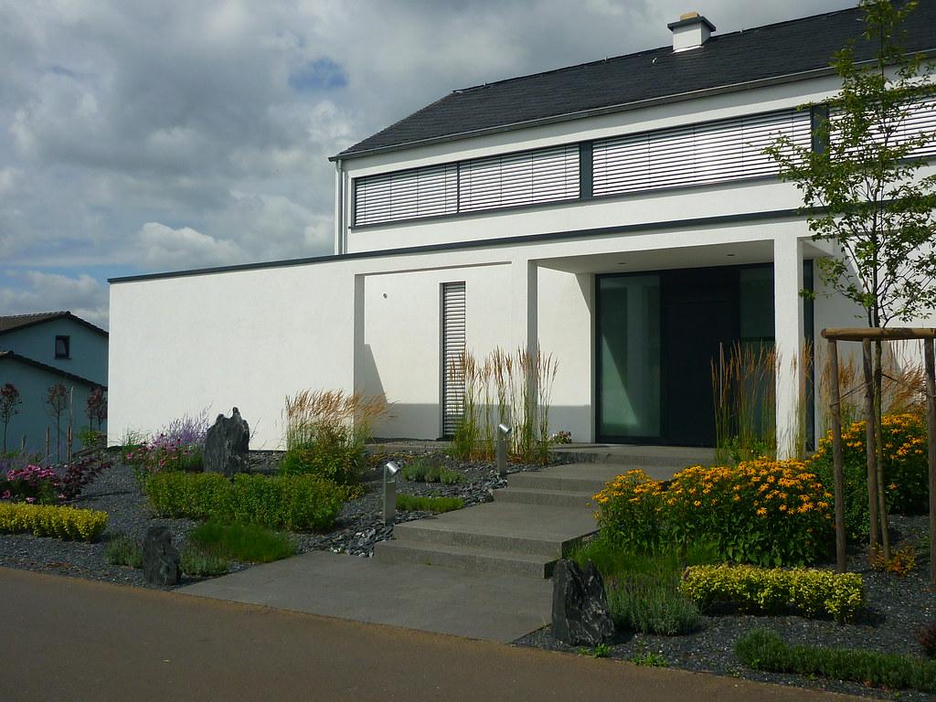Moderner Vorgarten moderner vorgarten die pflanzbänder übertragen die horizon flickr