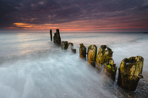Old groynes and sea | by Dietrich Bojko Photographie