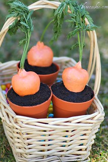 Stuffed Carrot Garden Cupcakes. | by 1 Fine Cookie