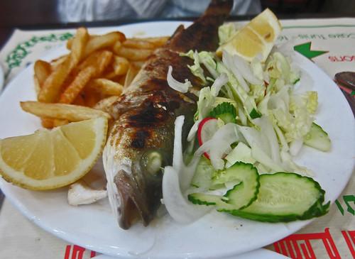 Restaurant le caire poisson grille grilled fish tunis flickr - Restaurant poisson grille paris ...
