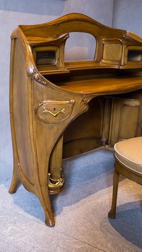 Hector guimard 1867 1942 mobilier provenant de la chamb - Mobilier de france chambre a coucher ...
