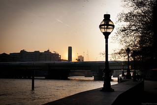 Lamp on the Bank of the Thames at Sunset | by yáng