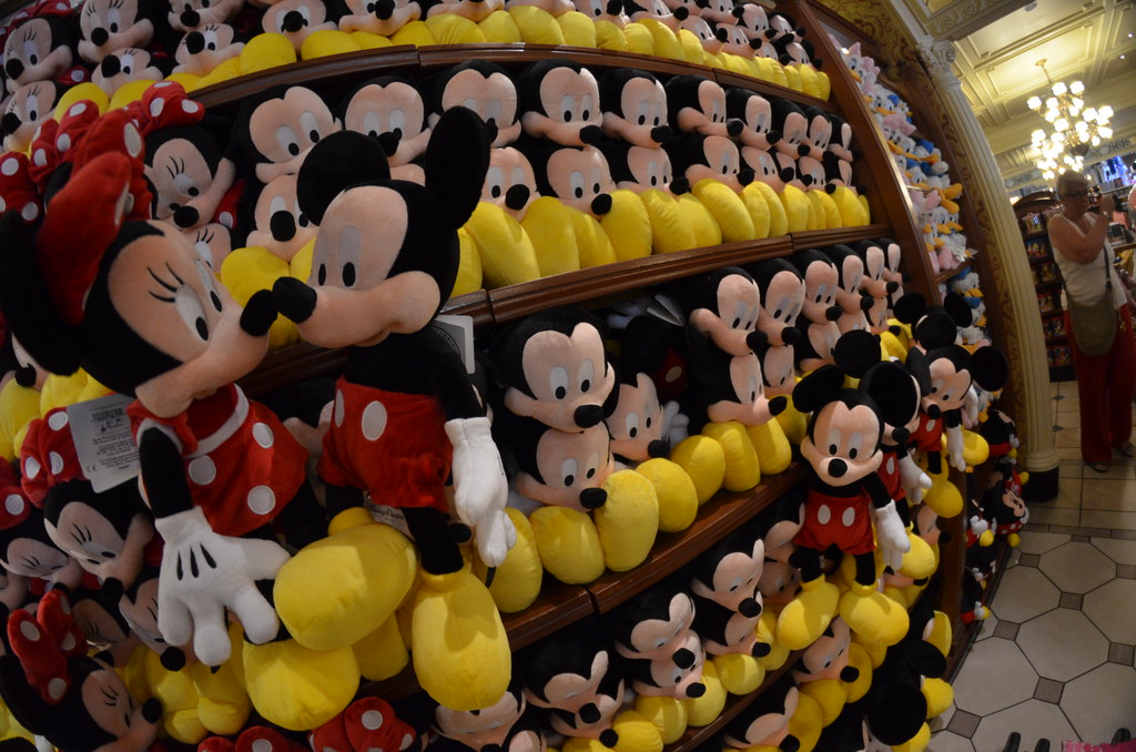 Mickey And Minnie Mouse Stuffed Animals Disney S Magic Kin Flickr