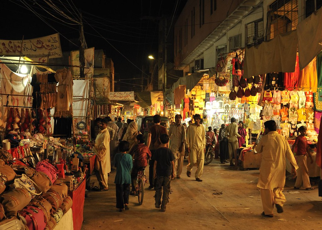 lahore best shopping areas and places for families