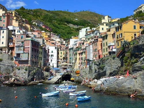 how to get from seville to cinque terre