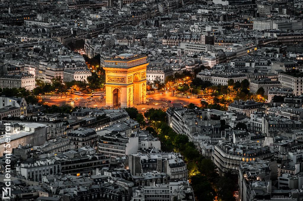 Arc de Triomphe by night - Paris Heart