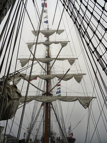 Masts of the Cuauhtémoc