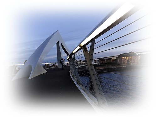 """Squinty Bridge"" over River Clyde 