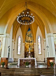 Interior da Igreja Matriz de Canela. | História A