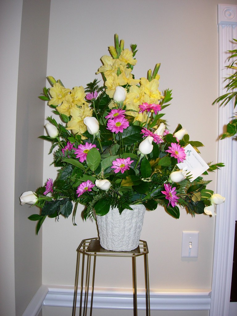 Funeral flower arrangement flower arrangments in a spray f flickr funeral flower arrangement by docguy funeral flower arrangement by docguy izmirmasajfo