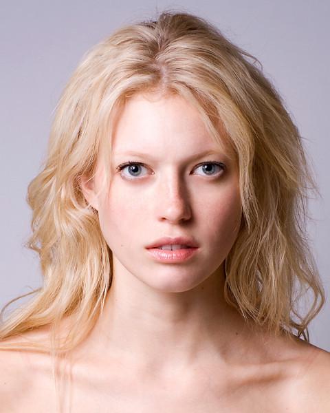 Kelsey Vogelzang nude 168