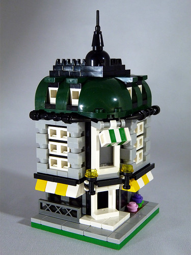 "LEGO Mini Modulars - MOC: ""King's Corner"" 
