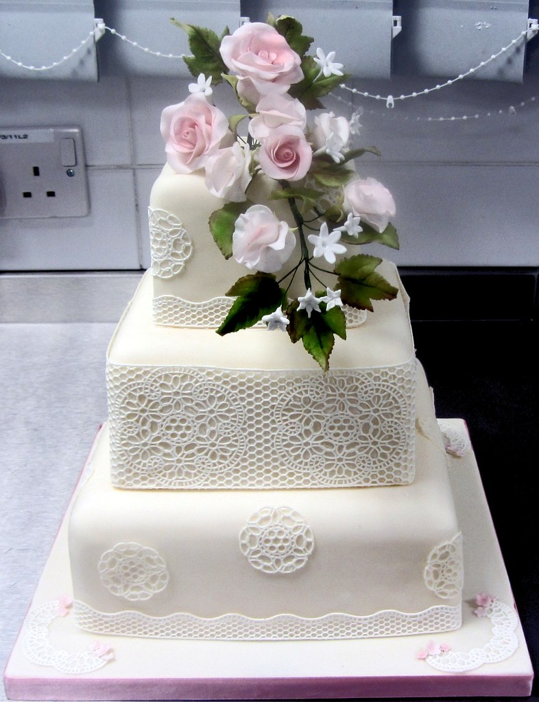 3 Tier Square Wedding Cake with Sugarveil, roses and sweet… | Flickr