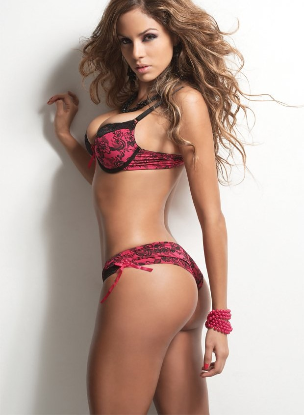 Latina models would you pay for her services