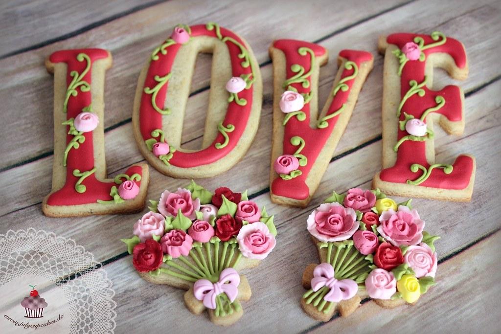 LOVE and Flower Bouquet Cookies | www.julycupcakes.de | Julia ...
