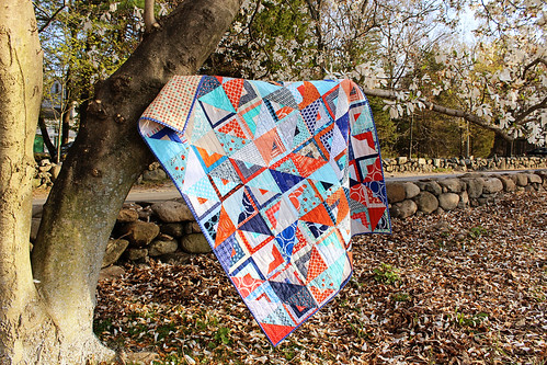 Do Good Stitches Log Cabin/Half Square Triangle Quilt | by greenleaf goods