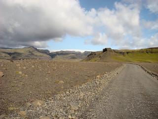 048 Onderweg naar gletsjertong Sólheimajökull
